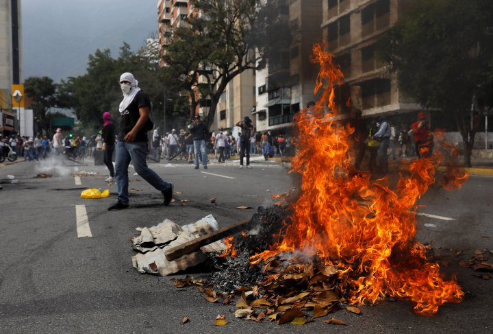 2017-04-19t205716z_86932997_rc1f678e5fb0_rtrmadp_3_venezuela-politics-protests.jpg