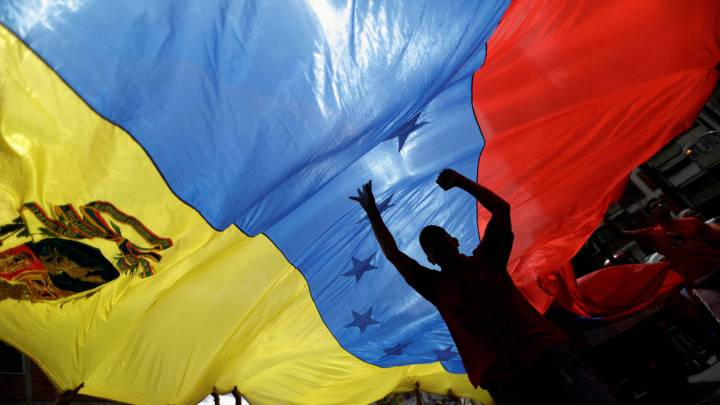 bitcoin-ante-el-colapso-economico-por-que-la-criptomoneda-esta-en-auge-en-venezuela
