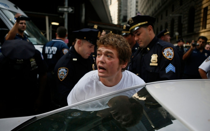 headlineImage.adapt.1460.high.nypd_occupy_free_speech_0910.1442421861526.jpg